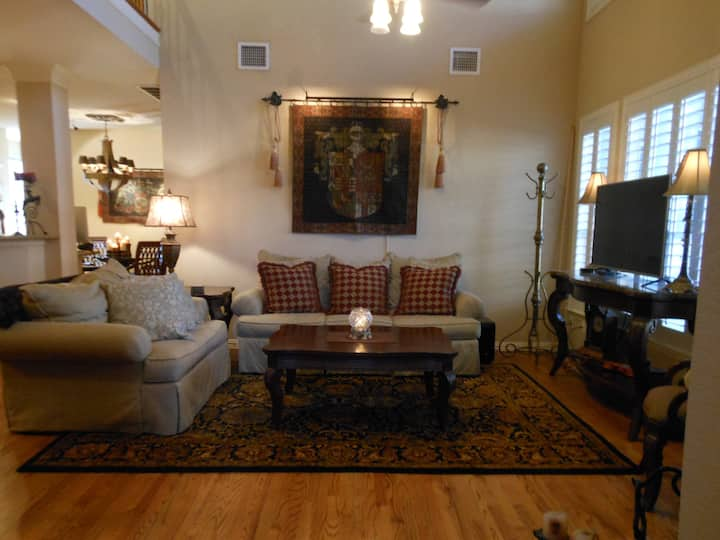 Luxury Guest Suite near DFW and Music Factory