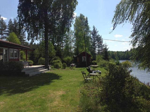 Idyllic country house, pier and beach at the river - Ringerike - Cabana