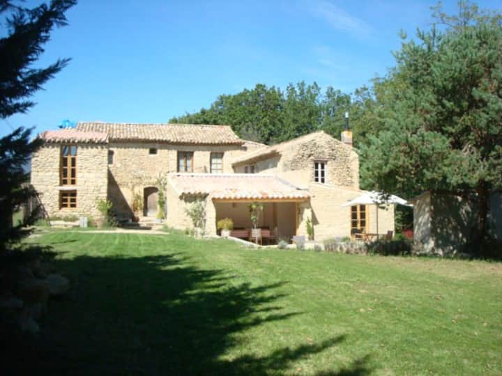Bed & Breakfast La Bergerie-Bleu one of 3 Bedrooms