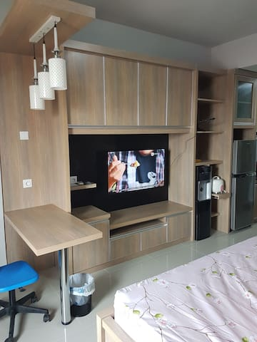 """Full furnished with 46"""" LED TV"""