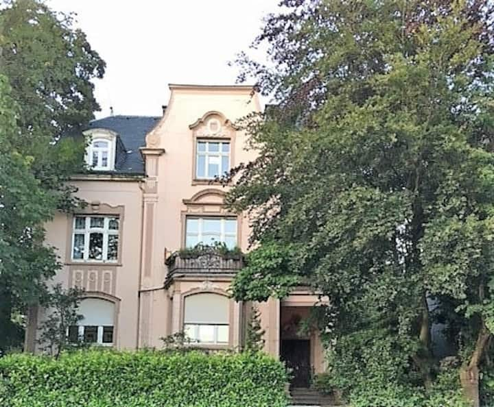 2nd Gästezimmer in Jugendstilvilla / Privatsauna