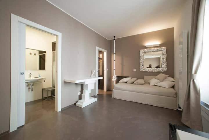 Suite room - private bathroom