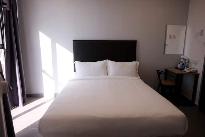 Comfort and clean room with a city view.