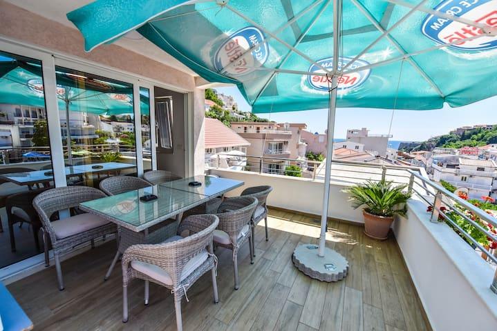 3 rooms Apartment + SeaView Balcony