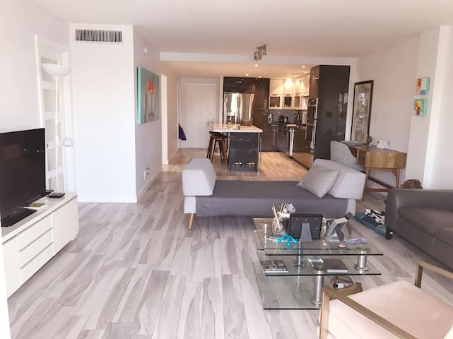 2/2 Hidden Paradise in Hallandale - Hallandale Beach - Apartment