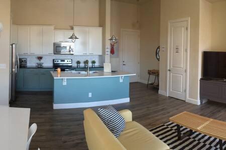 Private Executive Condo - Centennial - Appartement