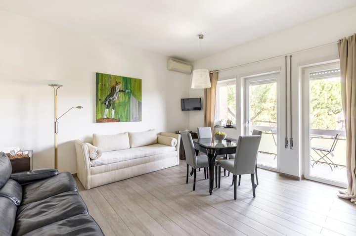 San Peter and Villa Pamphili renovated apartment