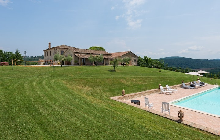 Villa Sofia, realxation around the green Umbrian hill
