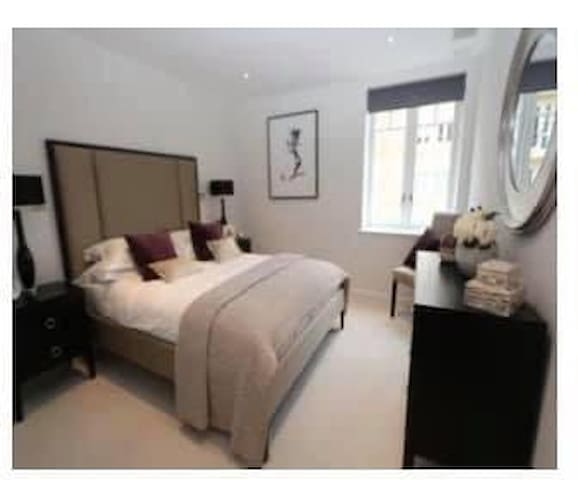 Beautiful Double bed room & Private bedroom