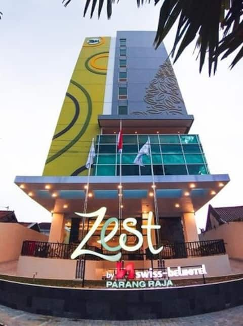 Compact Room in Parang Raja Solo by Zest