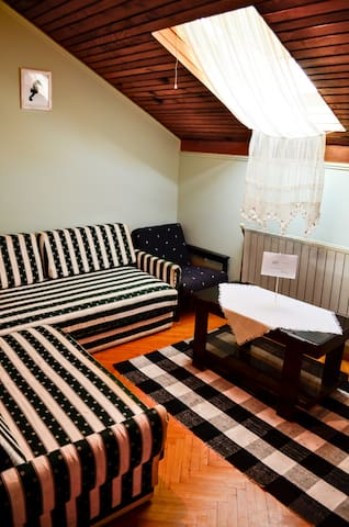 Private room for 1 person - Igalo - Rumah