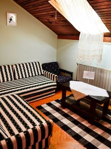 Private room for 1 person - Igalo - Huis