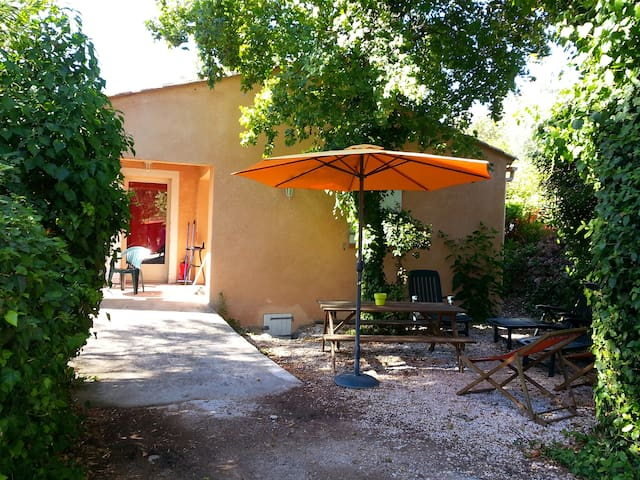 Villa au cœur de la campagne varoise - Solliès-Toucas - Villa