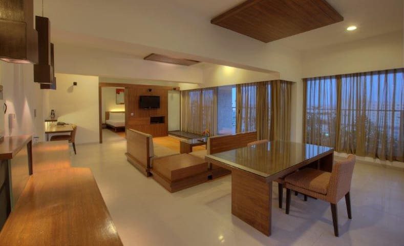 Keys Prima Hotel Parc Estique - Pune - Bed & Breakfast