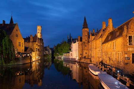 Cheap and lovely place near Bruges, Free Parking !