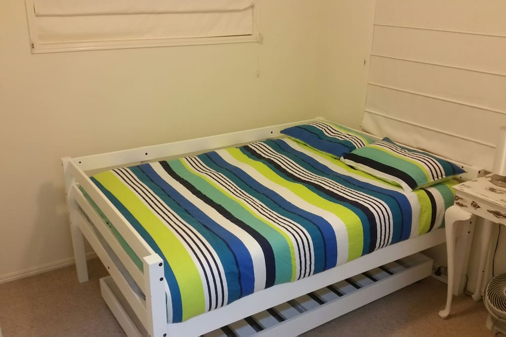 Double bed room with trundle