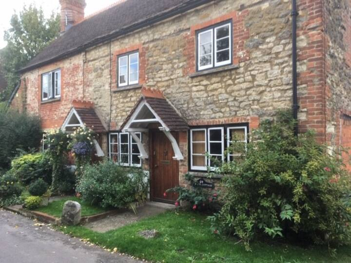 Delightful Grade II Listed Cottage in AOB