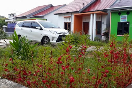 Green Homestay (Supadio Area)
