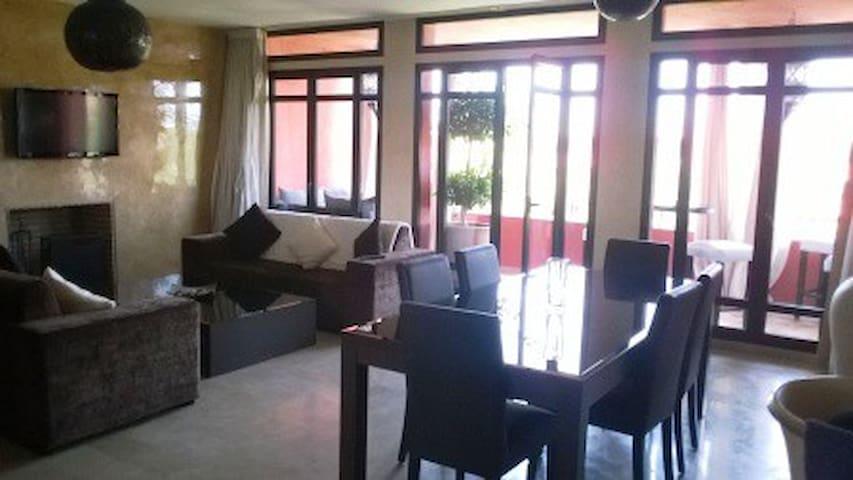 RESIDENCE DES GOLFS AVEC PISCINE GARDIEN - Marrakech - Apartamento