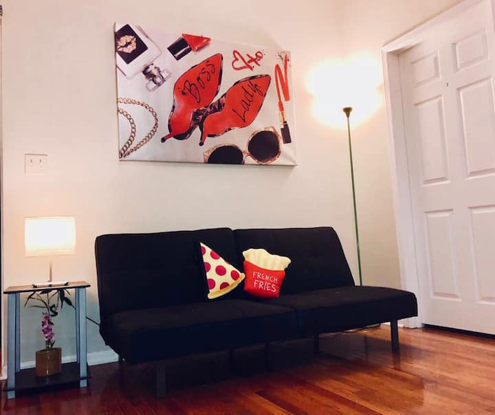 B7 - Next to Downtown Chicago - Private Room for 4