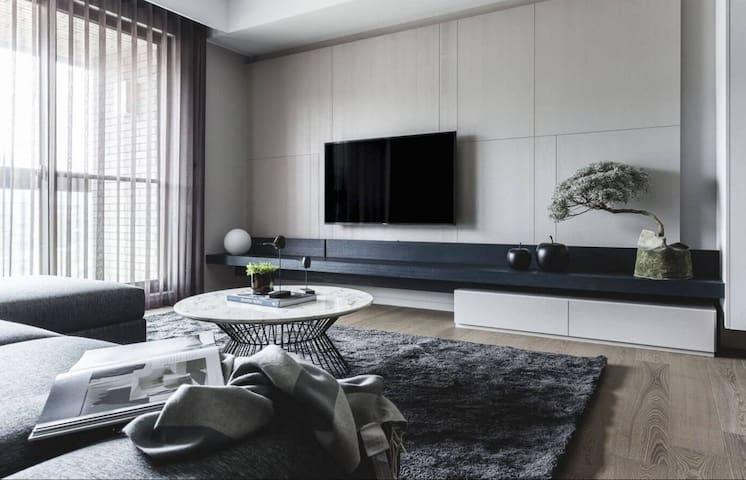 Superb 3BD apartment in City Center