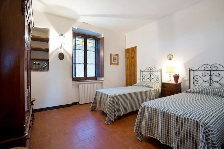 Splendid house with garden, pool, 5km from Siena - Siena - Apartment