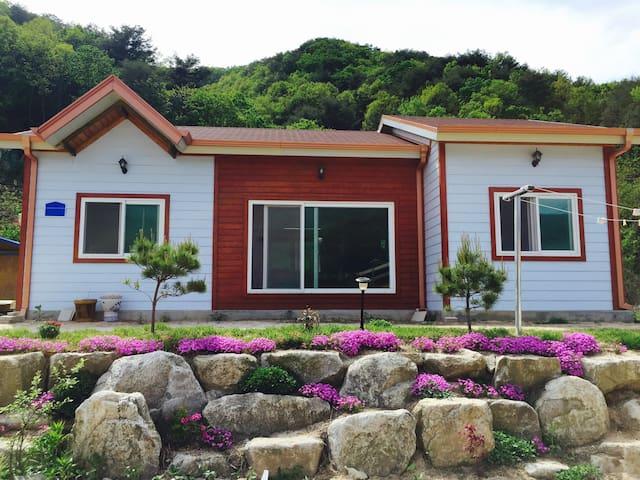 Cheorwon Rose House (Main House) - Cheorwon-gun - Huis
