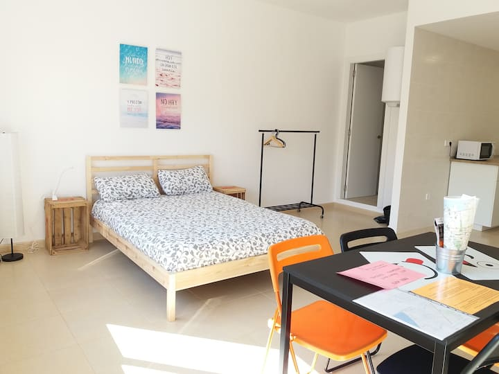 City+Beach in Cool Privat Room 2.2