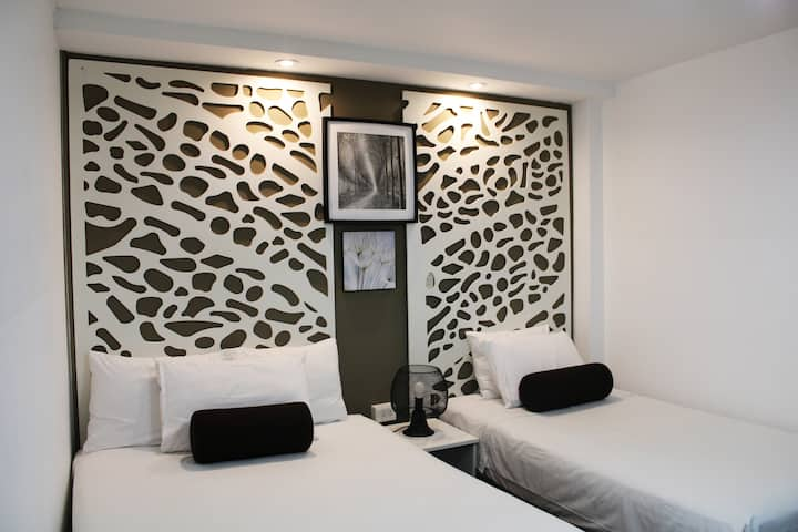 """Hotel """"El Viajero"""" Hab. Triple c/baño privado"""