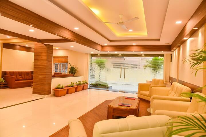 Modern 2BHK off ORR in Green Glen Layout-Bellandur