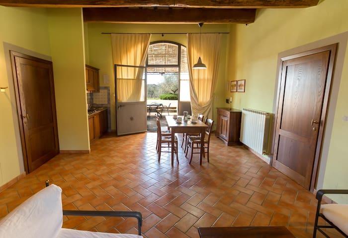 Appartamento con 2 camere 1b cp4pax - Castelnuovo Berardenga - Apartamento