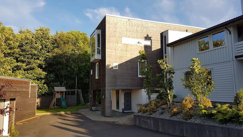 Villa in Bergen - Fana. High standard, 300+m2