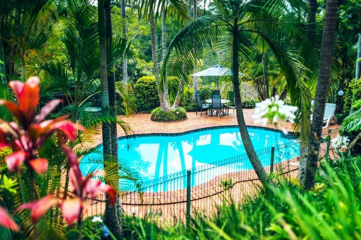 Bella Vista 4-Bedroom Private House