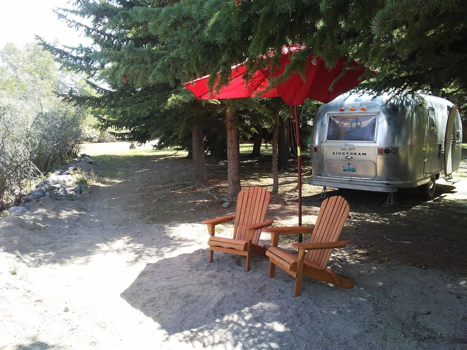 Private sitting area alongside the Wind River. A lovely place to sit and have your morning coffee!!