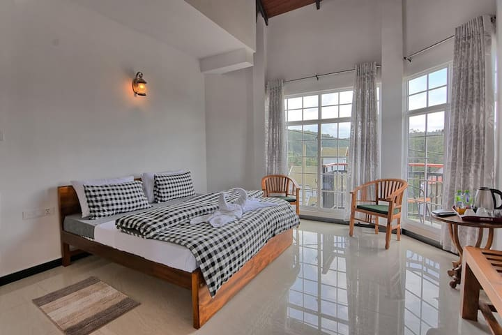 Deluxe Double Room - Mountain View/Private balcony
