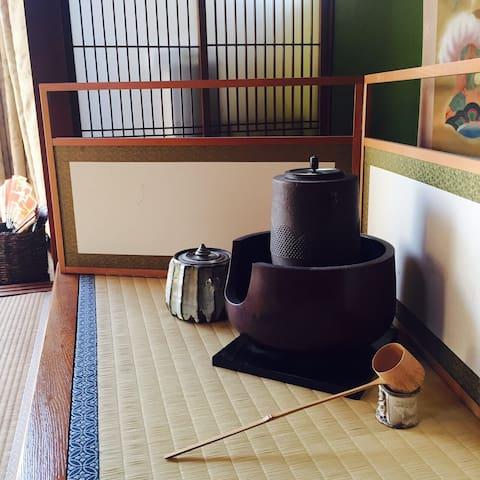 日本の伝統的な   お部屋とお庭