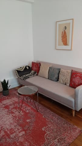 Cosy, modern & calm Parisian apartment