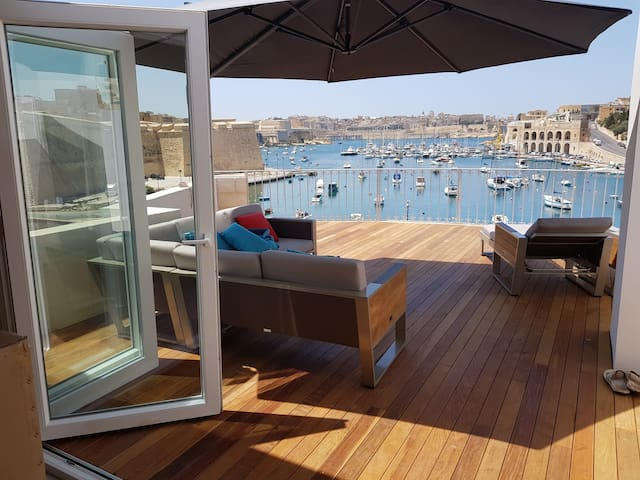 Seafront Penthouse Suite