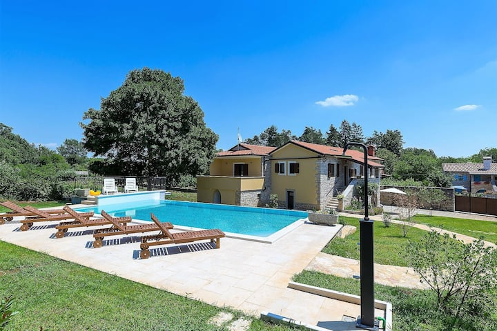 Situated in the charming countryside of central Istria, perfect family vacation