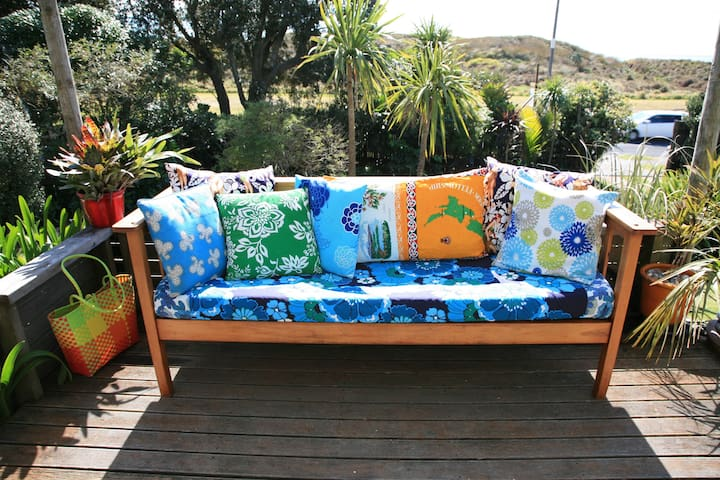 Self contained beach studio in beach side garden. - Papamoa - Ev