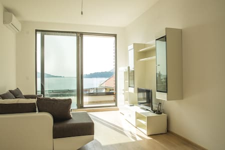 New, beautiful sea view apartment - Rafailovići