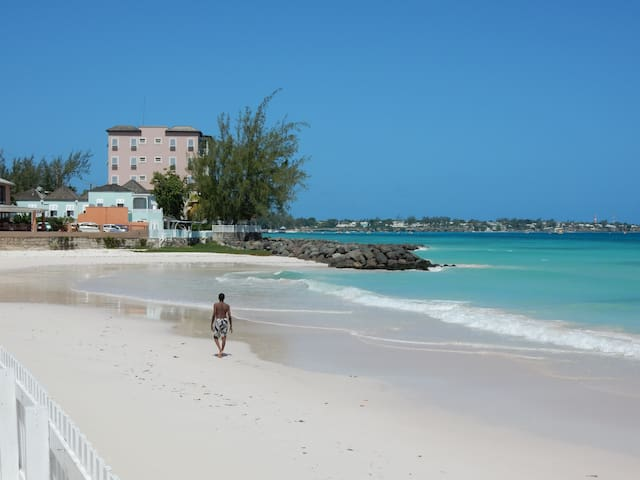 On The Beach, Near Oistins, Barbados - Oistins - Appartement