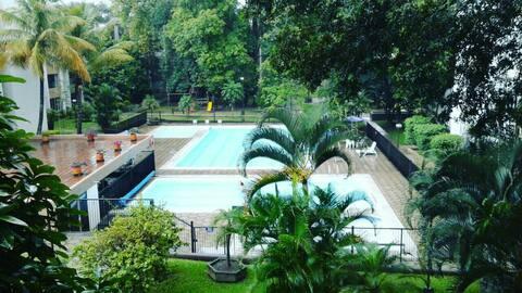 Habitación apto Poblado y piscinas