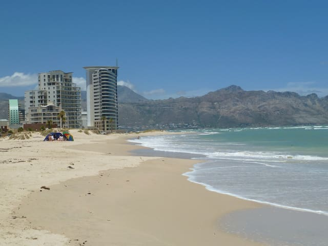 Beautiful sea and mountain views - Cape Town - Flat
