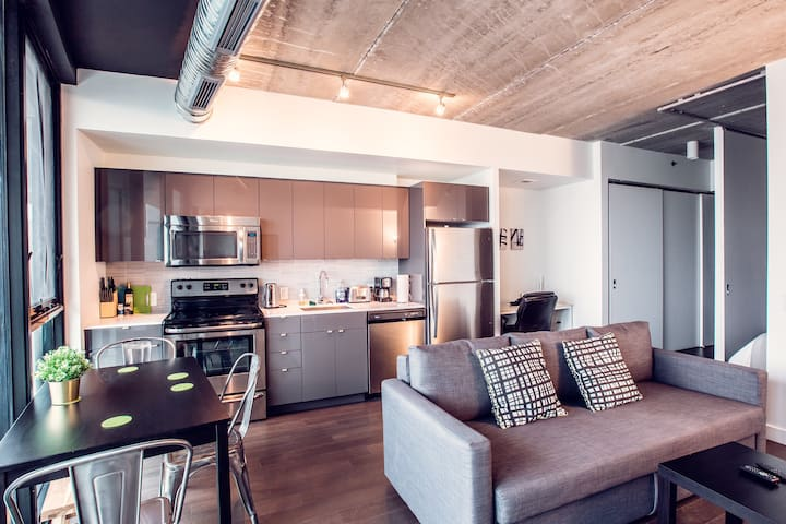 Unique 1BR|King bed|Gym+Roof|Downtown MTS Centre