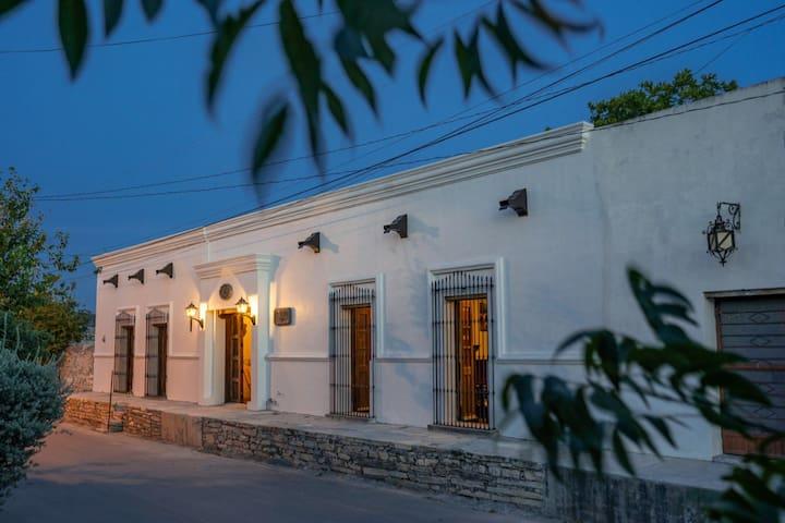 Histórica casona antigua a 17 min de Bustamante