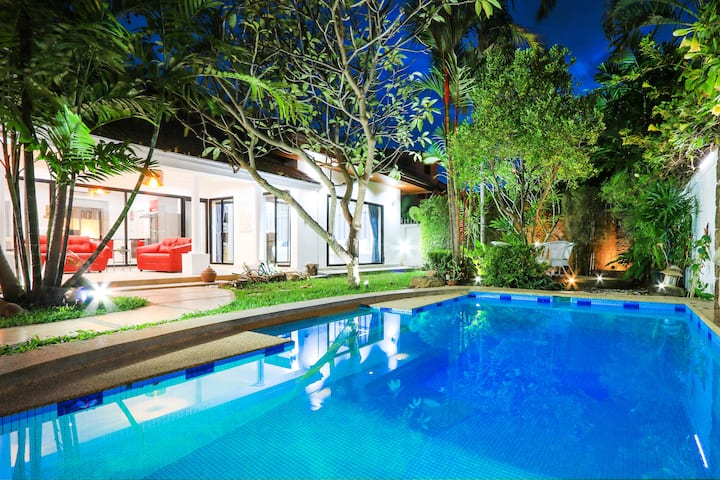 4-bedroom villa with private pool #111