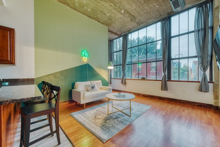 Serene & Spacious Loft w. discounted Parking