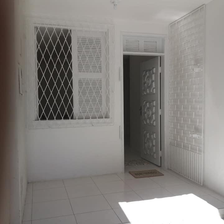 Casa renovada próxima ao shopping center Iguatemi.