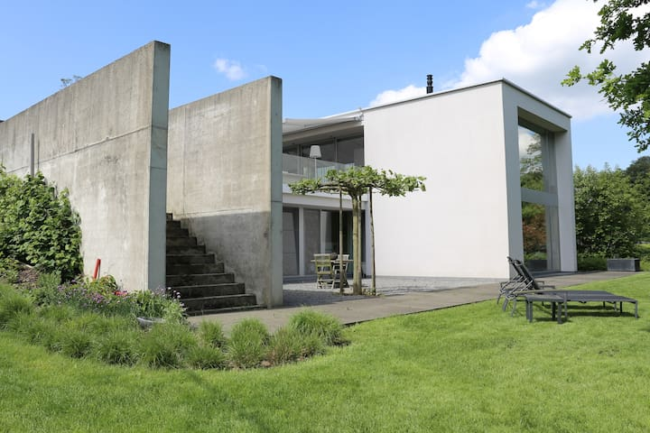 Moderne villa, rustig gelegen, dichtbij Leuven